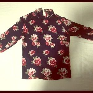 Forever 21 size M long-sleeve floral blouse